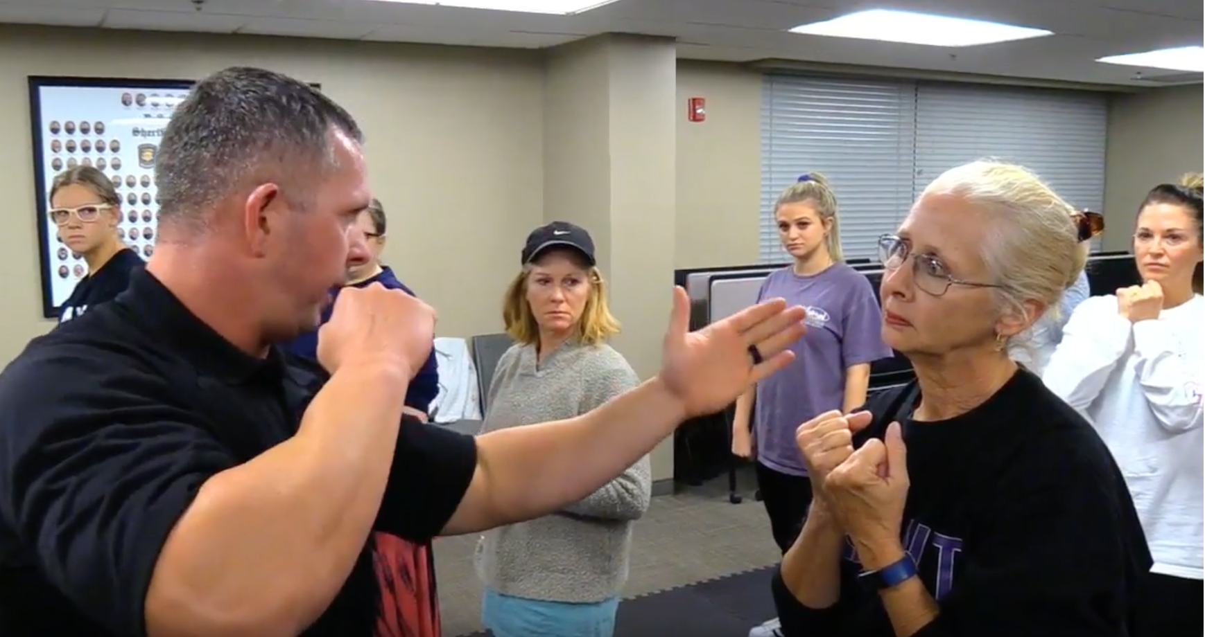 Sheriffs Department Offering Women's Self-Defense Class